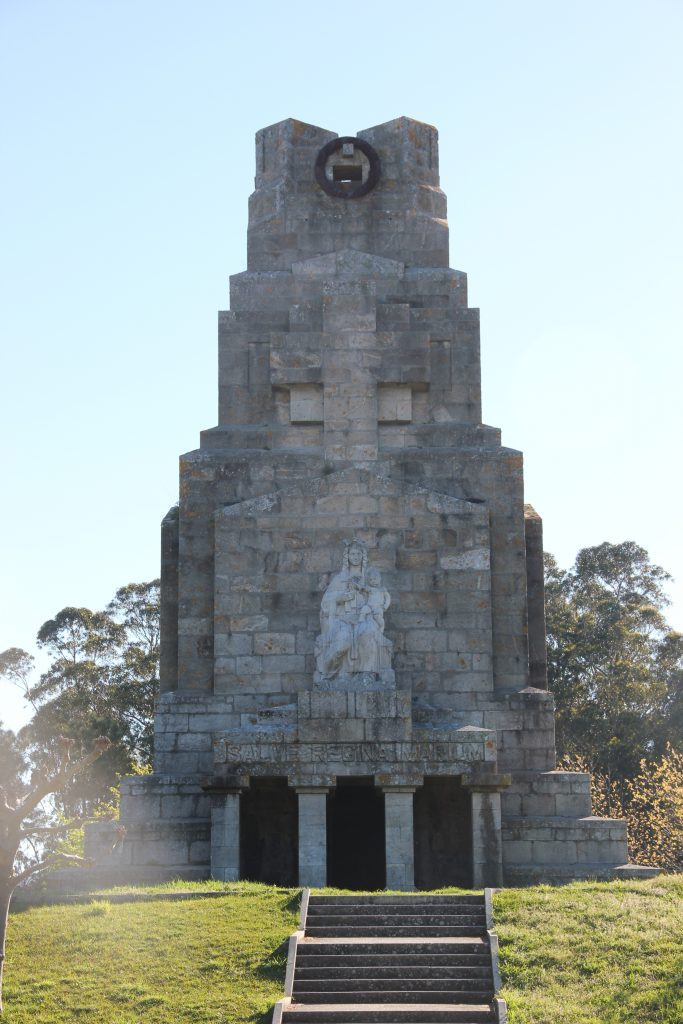 Monumento a la marina universal monteferro nigran