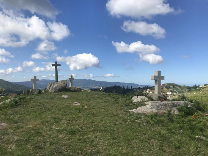 Monte das cruces en Chandebrito